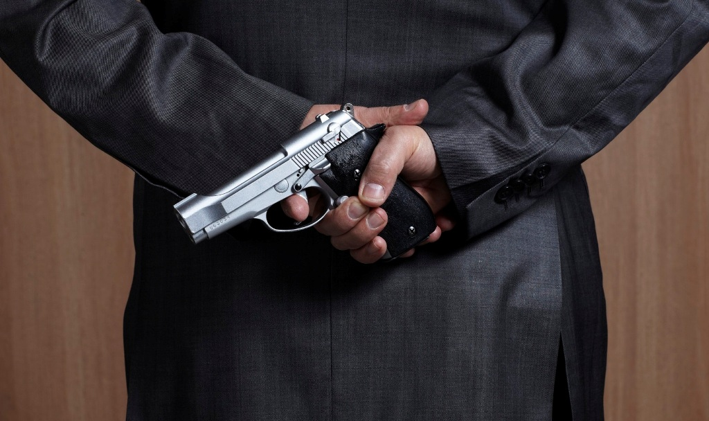 Qual a diferença entre organização criminosa e  associação criminosa?