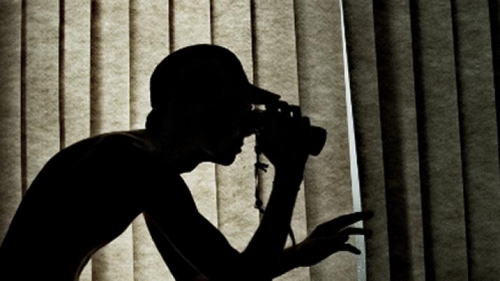"""Projeto de lei prevê prisão para quem filmar, fotografar ou """"captar a voz"""" sem autorização"""