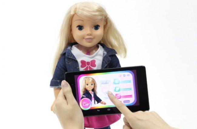 Alemanha proíbe venda de boneca por ser capaz de fazer espionagem