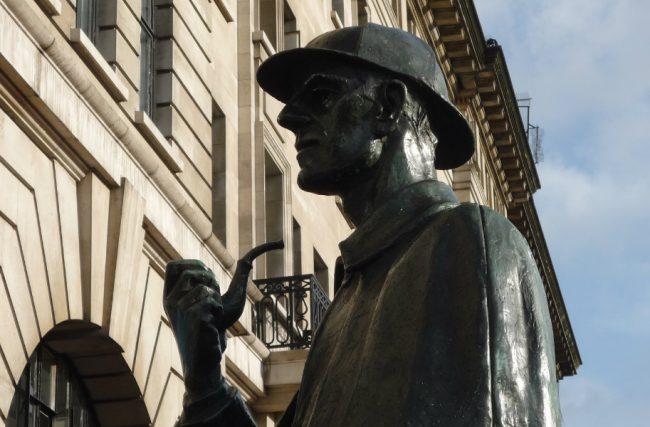 Detetives do cinema: conheça os mistérios de Watson e Sherlock Holmes